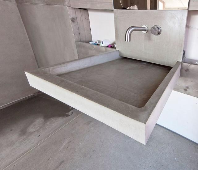 duschen und waschtische aus beton. Black Bedroom Furniture Sets. Home Design Ideas